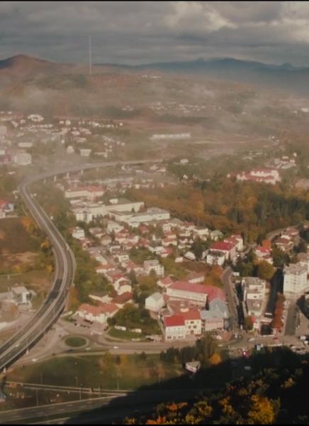 Jesenná Banská Bystrica z vtáčej perspektívy